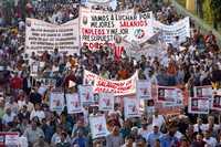 Miles de trabajadores sindicalizados marcharon ayer en el contexto de la jornada por la restitución salarial