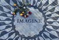 Foto: Un mosaico en memoria de John Lennon fue colocado en un sector del Central Park de Nueva York, en el 26 aniversario luctuoso del artista. Su viuda, Yoko Ono, mediante anuncios en diarios ingleses, agradeció a la gente que no lo ha olvidado