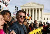 Sean Penn integra una de las columnas que exigió el retorno de todos los soldados