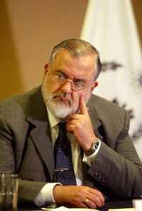 José Luis Soberanes Fernández, titular de la CNDH, durante la conferencia de prensa que ofreció ayer