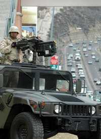 Retén militar en Baja California, como parte de la Operación Tijuana