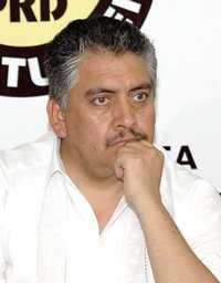 En imagen de archivo, Guadalupe Acosta Naranjo, secretario general del partido, quien ha sido acusado por miembros de la corriente Izquierda Democrática Nacional de manipular la documentación electoral