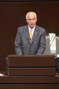 El senador Dante Delgado en la tribuna de San Lázaro, al plantear la postura de Convergencia