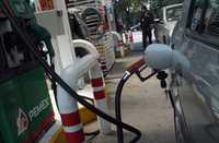 """El impuesto """"especial"""" a combustibles afectará en mayor proporción a los hogares más pobres"""