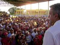 Andrés Manuel López Obrador durante un mitin en Jonuta, uno de los cinco municipios de Tabasco que visitó ayer