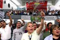 En asamblea, los electricistas aceptaron la propuesta del gobierno para evitar la huelga