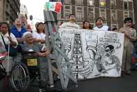 Durante el mitin del Movimiento Nacional en Defensa del Petróleo, que fue encabezado por Andrés Manuel López Obrador en el Zócalo de la ciudad de México el pasado 18 de marzo