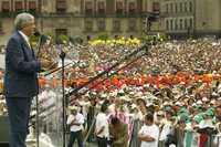 Andrés Manuel López Obrador, durante el acto de este domingo en la Plaza de la Constitución