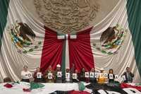 Legisladores del FAP en la tribuna de San Lázaro