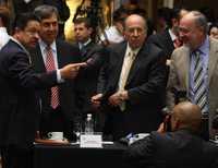 Carlos Navarrete, Cuauhtémoc Cárdenas, David Ibarra y Lorenzo Meyer, durante el primer round petrolero