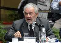 Raúl Carrancá y Rivas, Luis Javier Garrido y Sergio García Ramírez durante sus intervenciones de ayer en el Senado