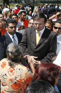 Marcelo Ebrard en gira por Gustavo A. Madero