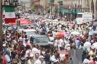 Más de ocho mil profesores de la CNTE marcharon este día por las calles de Morelia, Michoacán