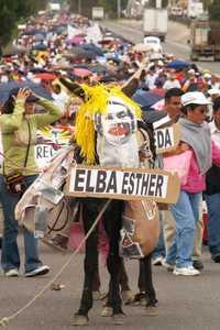 Cerca de 15 mil docentes se manifestaron en Chilpancingo contra la Alianza por la Calidad de la Educación