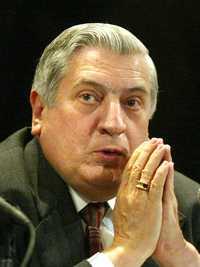 Arturo Núñez anunció que el FAP intentará destrabar hoy el capítulo relativo a las contrataciones de Pemex
