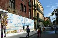 La calle Regina, en el centro de la ciudad, mostró ayer su esplendor tras el remozamiento de calles y fachadas