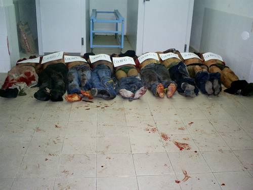 Los cuerpos decapitados de ocho militares y un ex jefe policiaco fueron llevados a la morgue de Chilpancingo