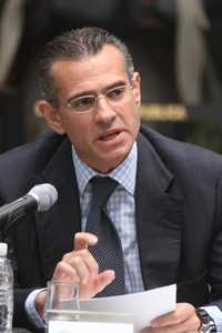 Juan José Suárez Copel, durante su participación en el debate sobre la reforma energética que organizó el Senado en junio pasado