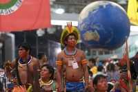 Representantes de grupos indios en el Foro Social