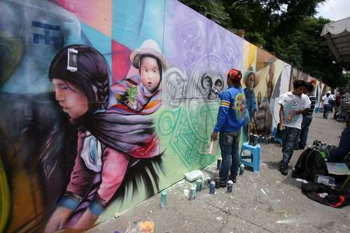 La Jornada Con Murales Jovenes Grafiteros Pusieron Al Palacio De