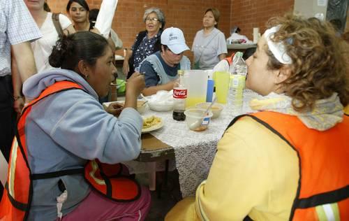 La jornada comedores comunitarios una opci n para comer - Sueldo monitora de comedor ...