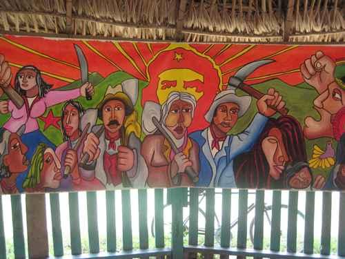 Ejemplo de editorial de un periodico mural escolar for Ejemplo de editorial de un periodico mural