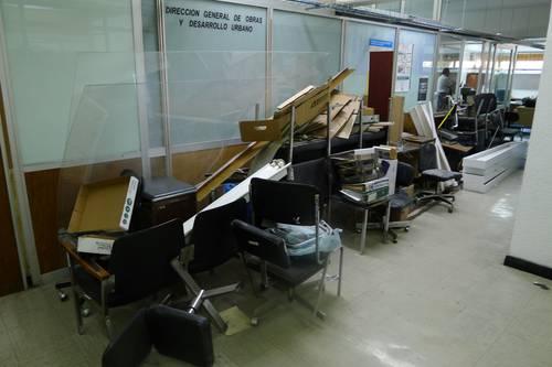La jornada contrastan edificios nuevos con sedes for Muebles de oficina nuevos