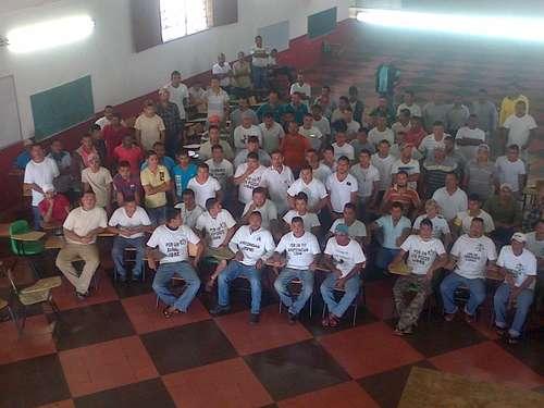 340 autodefensas presos en varias cárceles del país 010n1pol-1