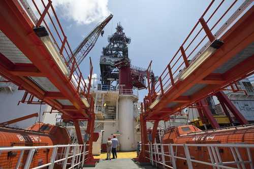 Plataforma de exploración Bicentenario en el Golfo de México. Foto José Carlo González