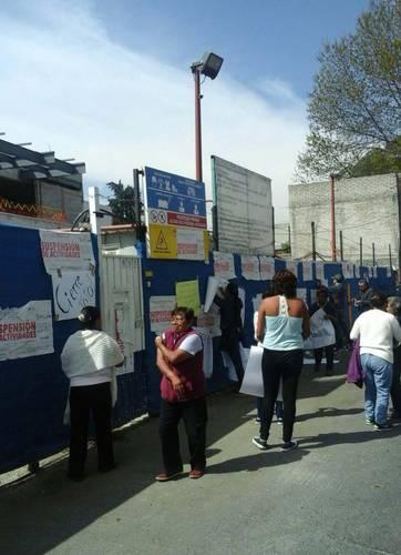 La Jornada Clausuran Vecinos De Tepepan Los Trabajos En