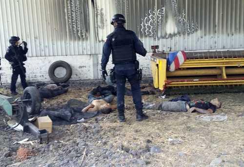 Enfrentamiento entre la Policia Federal y Cartel de Jalisco NG en Tanhuato Michoacán, deja 43 muertos. - Página 11 003n1pol-2