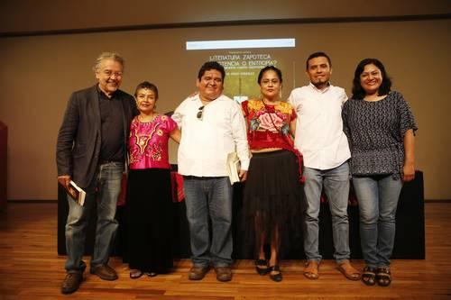 El zapoteco vive un momento de revaloración, afirman poetas