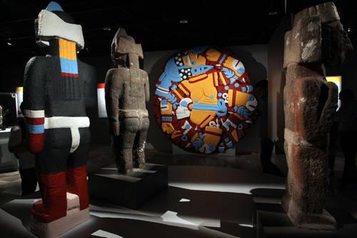 Devela el Museo del Templo Mayor la escultura polícroma de Tenochtitlán