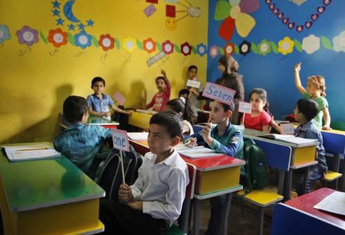 Presenta Unesco informe sobre reducir la pobreza por medio de la educación