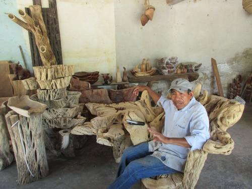 Sobrevive la artesanía de cacto sahuaro pese al desinterés de las autoridades de Guerrero
