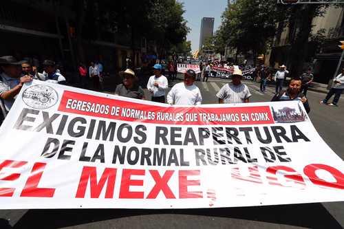 Incumplen promesa de reabrir la normal rural de El Mexe