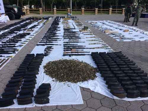 Ejército y Policia Estatal aseguran armas y vehiculos en Altamira 011n1pol-1