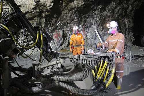 Percances en minas dejan 3 muertos