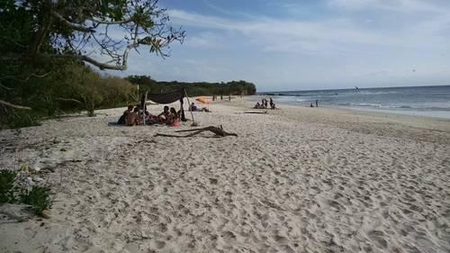 Intentan privatizar la última playa pública de Punta de Mita: lugareños