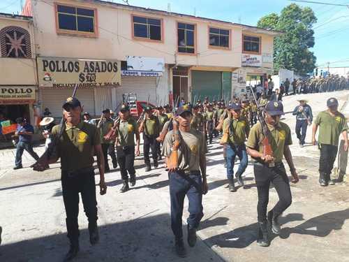 Repudian comunitarios de la CRAC a enviado del gobierno