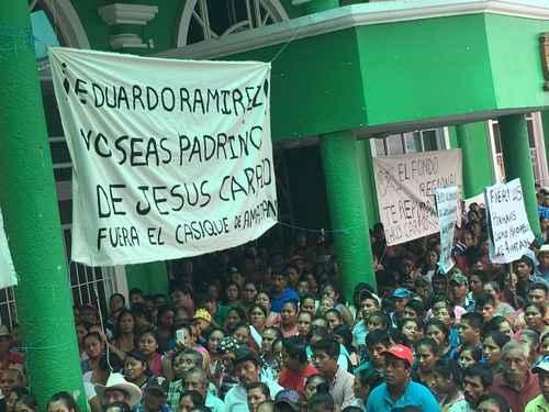 Atacan plantón en Chiapas; dos heridos y ocho mujeres retenidas