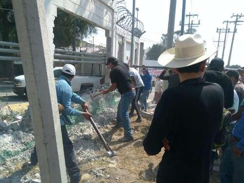 Ejidatarios ocupan termoeléctrica de CFE en Chiconautla; exigen restitución de tierras<br>