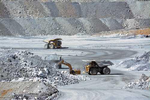 Pese a bloqueo, continúa producción de oro y plata en mina de Zacatecas