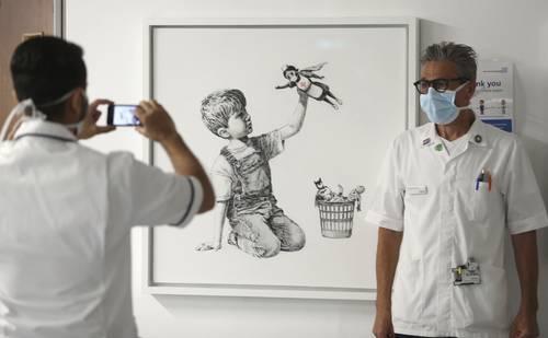 La Jornada: Banksy honra al personal médico