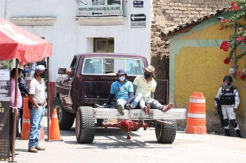 En Oaxaca hay rechazo a reanudar actividades; Monterrey se adelanta
