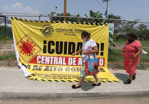 Instalan 9 filtros sanitarios en Central de Abasto de Oaxaca; es zona de alto contagio, advierte el edil