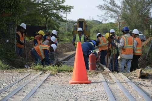 Comunidades indígenas crean frente contra tren transístmico