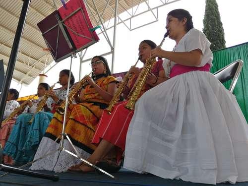 Orquesta oaxaqueña muestra que las mujeres podemos estar donde queramos