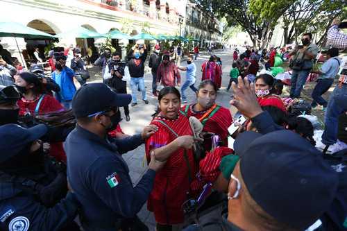 Desalojan a Triquis del centro de Oaxaca