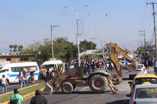 <br>Desalojan a opositores al acueducto en Morelos